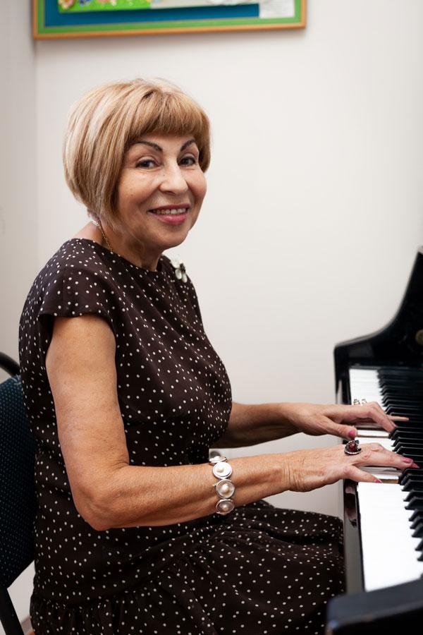 Саильянц Анна Ашотовна - Учитель музыки и мировой художественной культуры
